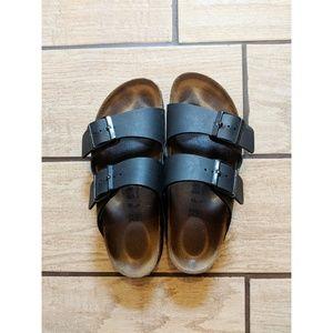 Birkenstocks Black Arizona Two Strap Sandals 🌿